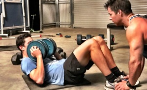Intense core training using a dumbbell