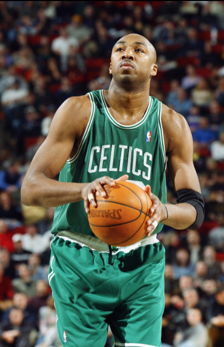 Vin Baker playing for the Celtics before alcohol took over his career.
